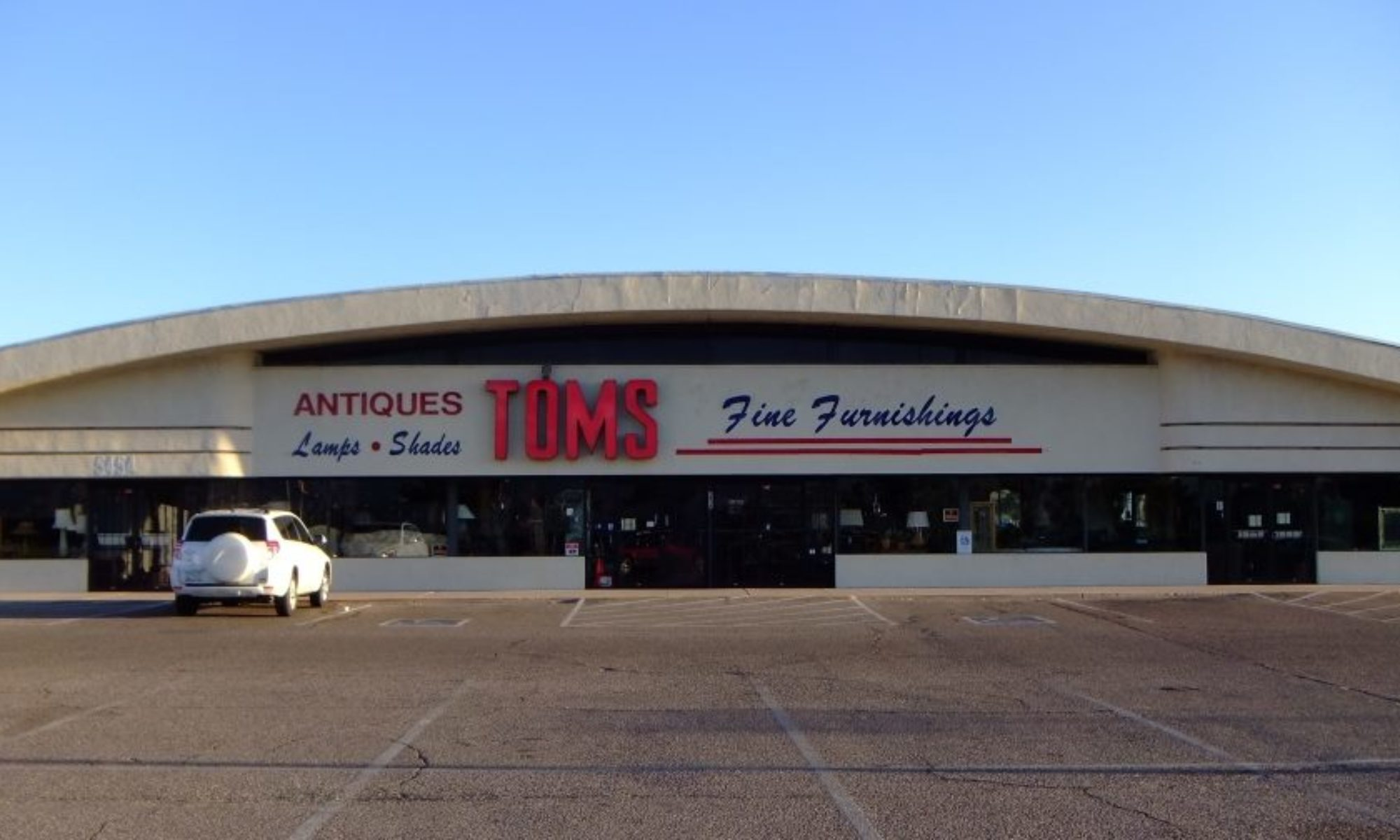 Tom's Fine Furniture and Collectables